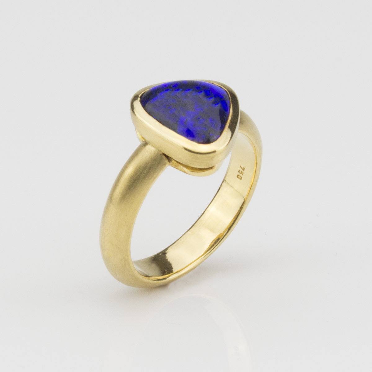 Ring-Gold-Schwarzopal1